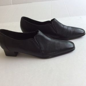 David Tate Black Leather Pumps 9.5 SS (Super Slim)